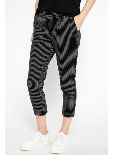 DeFacto Çizgili Havuç Pantolon Siyah